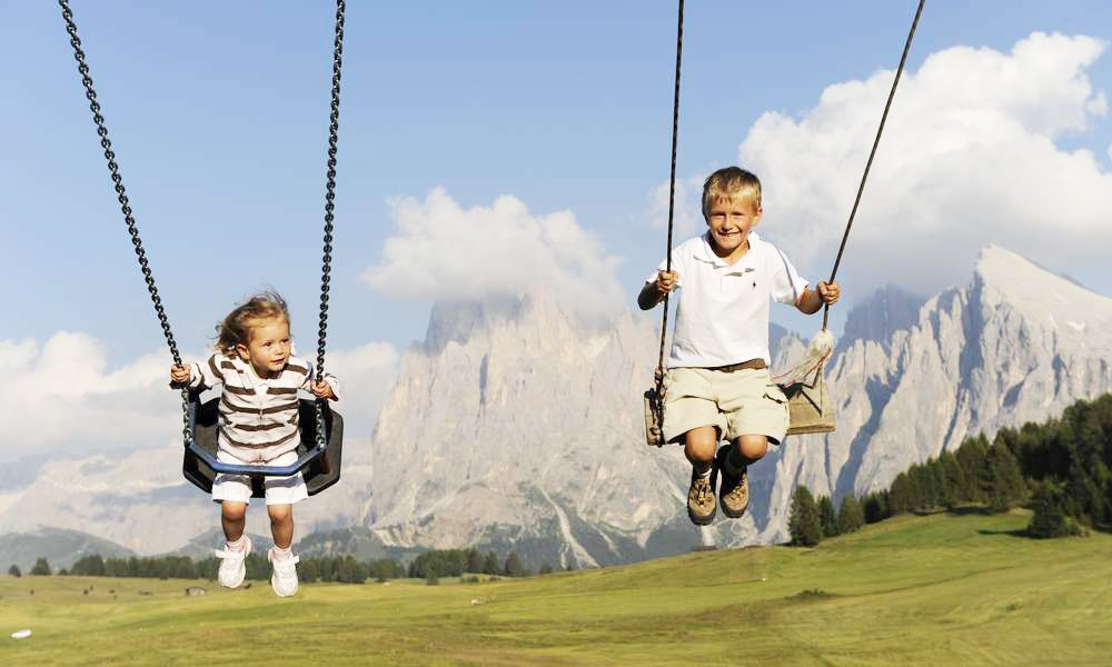 Family vacation on the Alpe di Siusi – Plenty of joy for you and your children