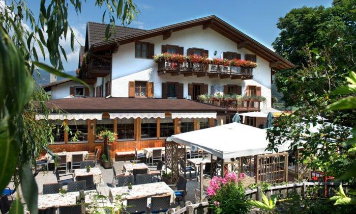 Unser Restaurant in Völs am Schlern hat auch eine Terrasse